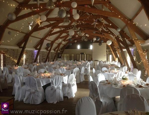 guirlandes - salle mariage Domaine des Assis (53)